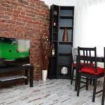Raya Maisonette - TV and table