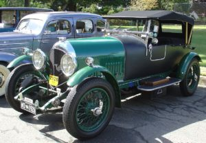 1926 Bentley - retro car parade